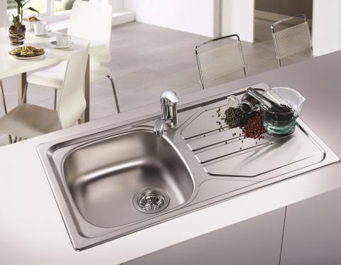 kitchen sink south africa how do i how to choose the right kitchen sink franke 5947